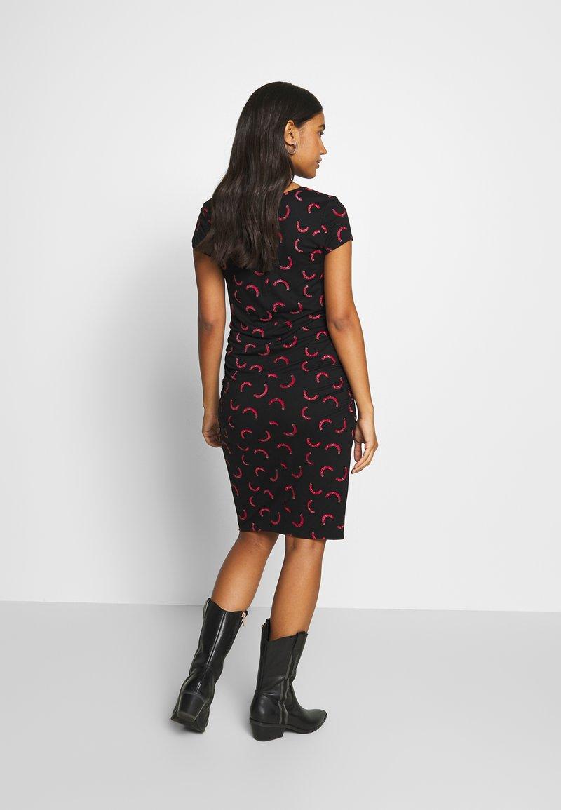 Supermom - DRESS RAINBOW - Vestido de tubo - black