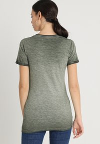 Supermom - TEE WASHED - T-shirt print - army - 2