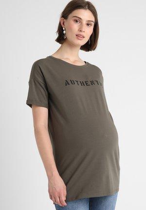 TEE SLOGAN - T-shirt print - army