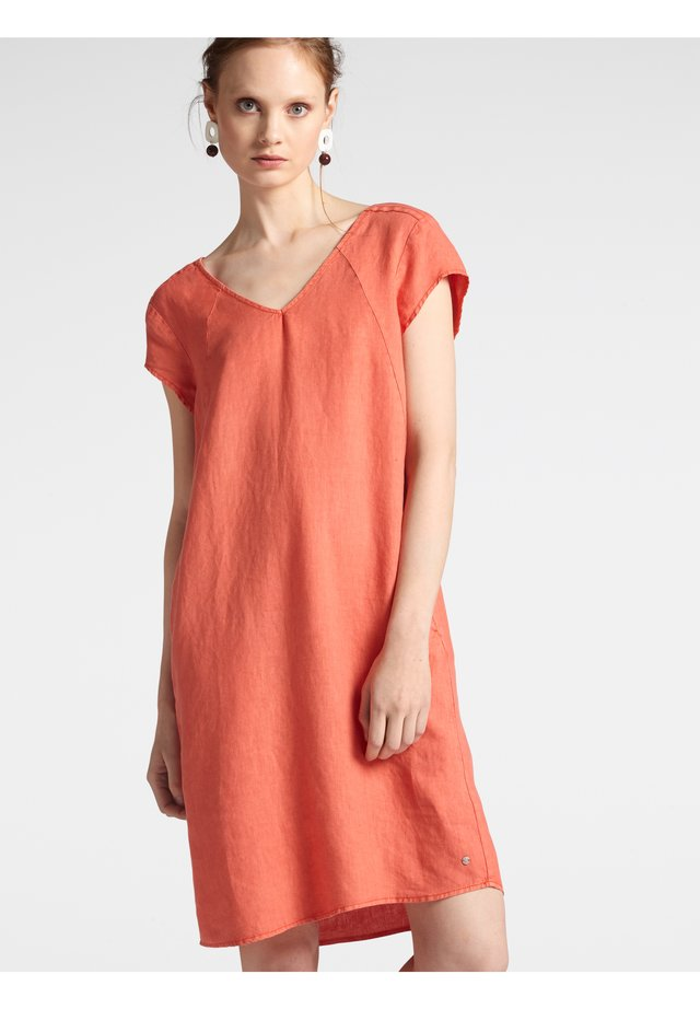 Day dress - koralle