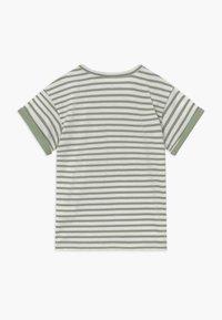 Sanetta - BABY  - T-shirt med print - powder green - 1