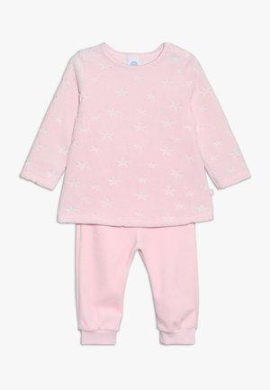 LONG BABY - Pyjama set - magnolie