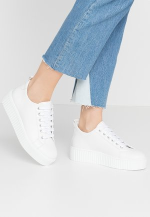 BURMEL - Sneakers basse - white
