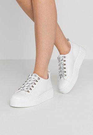 BURMEL - Baskets basses - white