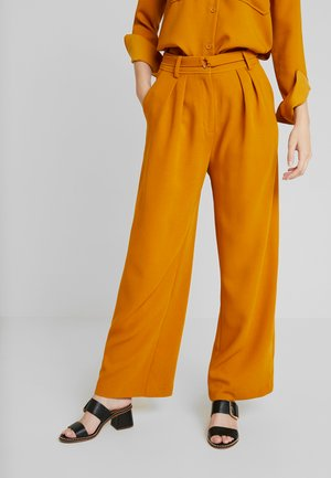 DENISE TROUSERS - Pantaloni - inca gold