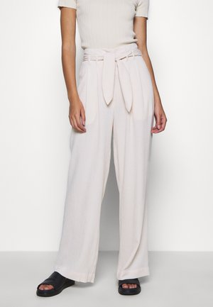 NELLIE TROUSERS - Pantalon classique - warm white