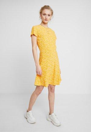ZAMBIA DRESS - Freizeitkleid - arancia
