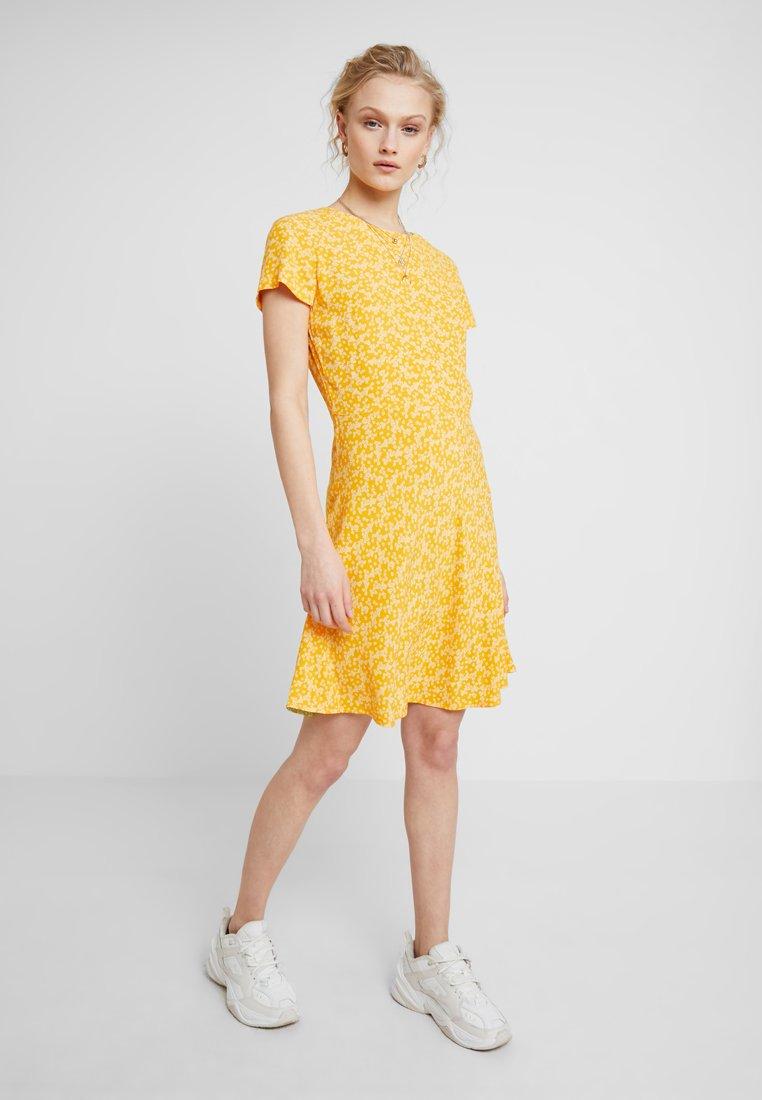 Samsøe & Samsøe - ZAMBIA DRESS - Day dress - arancia