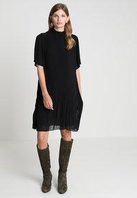 Samsøe Samsøe - MALIE DRESS - Denní šaty - black - 0