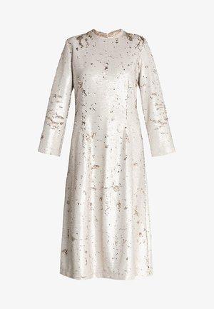 MIRON DRESS - Společenské šaty - sun kiss