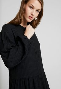 Samsøe Samsøe - RHONDA DRESS 2-IN-1 - Vestito estivo - black - 4