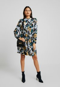 Samsøe Samsøe - MONIQUE SHIRT DRESS - Kjole - night meadow - 2