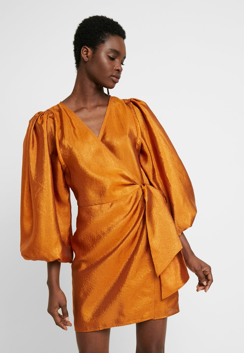 Samsøe Samsøe - MAGNOLIA SHORT DRESS - Cocktailjurk - honey ginger