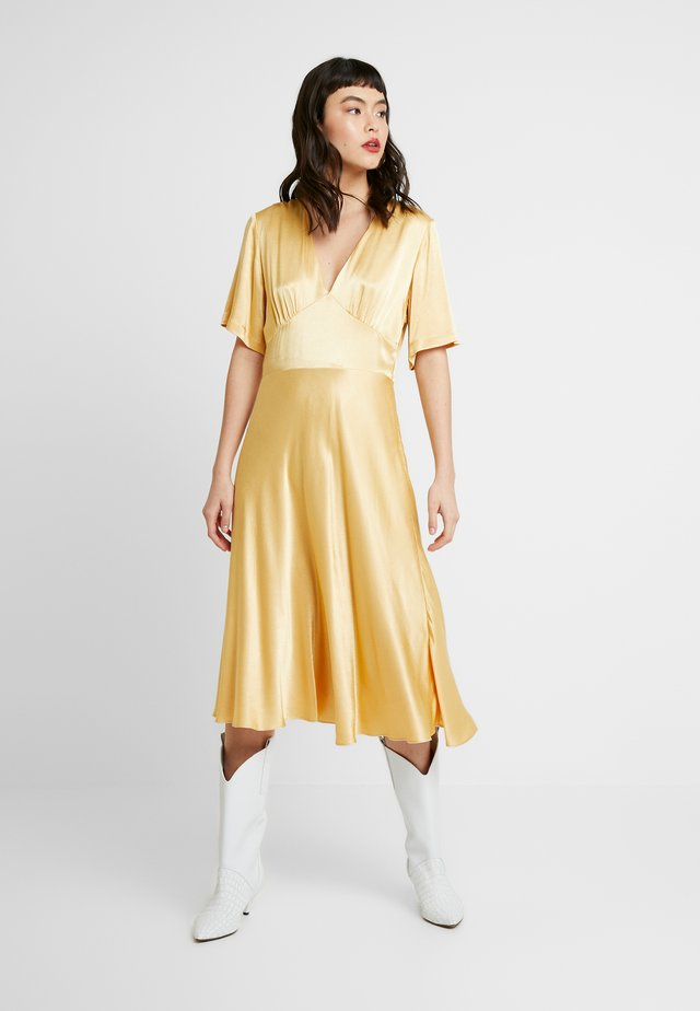 CINDY DRESS - Korte jurk - new wheat