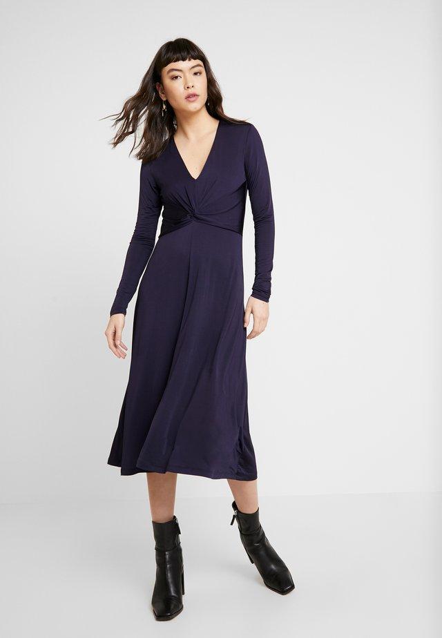 ELSI DRESS - Sukienka z dżerseju - night sky