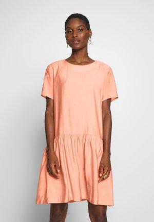 MILLE DRESS - Vapaa-ajan mekko - misty rose