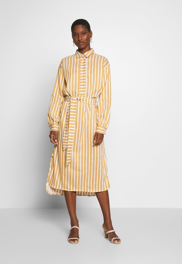 AMARA DRESS - Shirt dress - honey