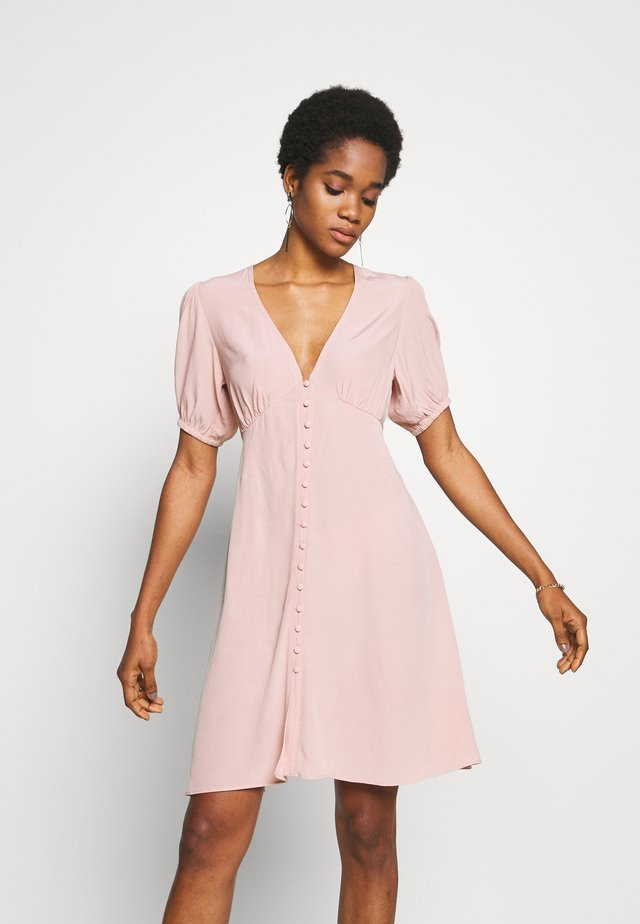 PETUNIA SHORT DRESS - Korte jurk - misty rose