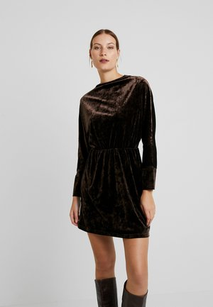 SILJA SHORT DRESS - Korte jurk - mole
