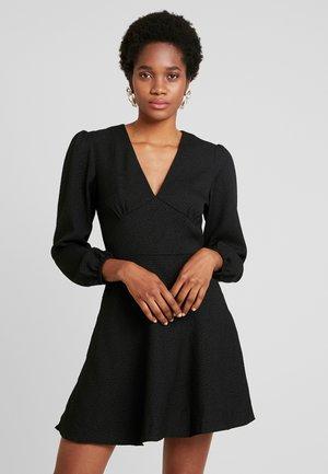 CINDY SHORT DRESS - Denní šaty - black