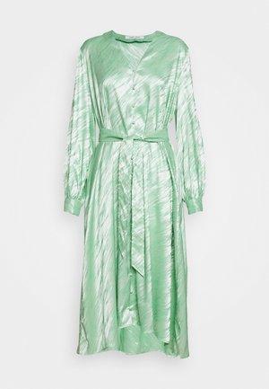 SAVERINE DRESS - Freizeitkleid - jade cream