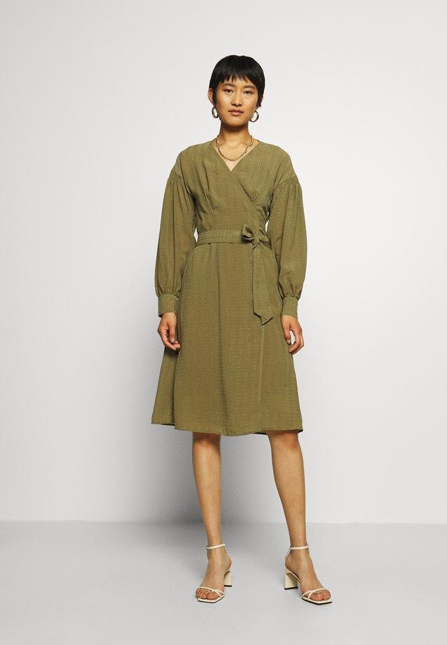 MERRILL DRESS - Robe d'été - air khaki