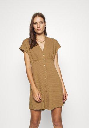 VALERIE SHORT DRESS - Blusenkleid - dijon