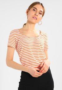 Samsøe Samsøe - NOBEL TEE STRIPE - T-shirt print - puffin bill - 0