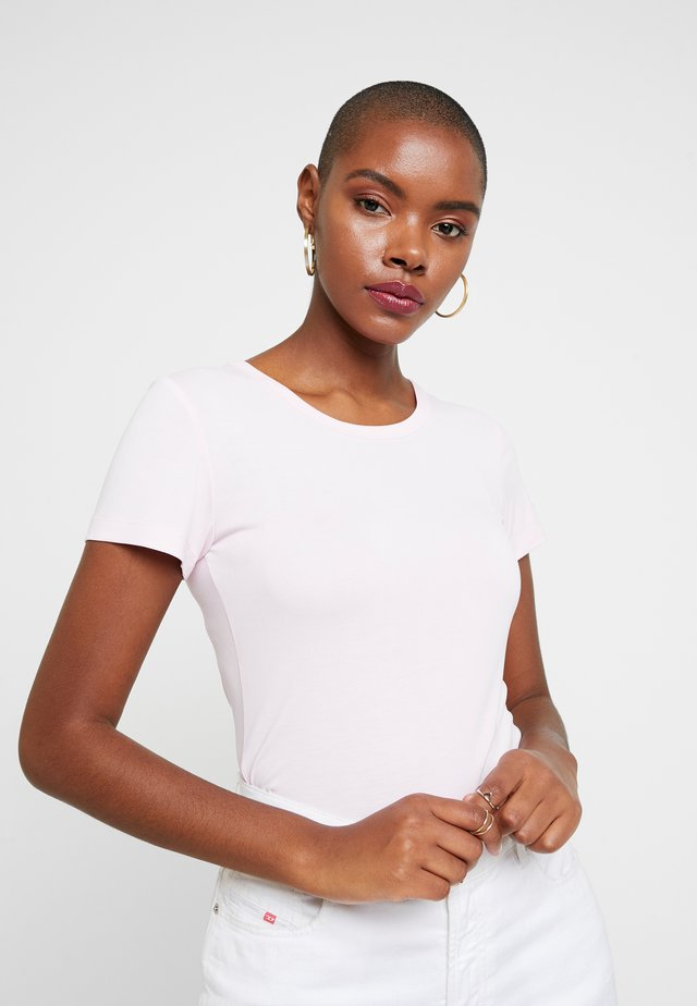 LILA - Basic T-shirt - pink lady