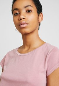 Samsøe Samsøe - LISS - T-shirt basic - dusty rose - 4