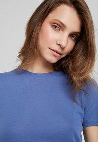 Samsøe Samsøe - ESTER - T-shirt basic - bijou blue - 4