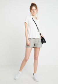 Samsøe Samsøe - MAJAN - Button-down blouse - clear cream - 1