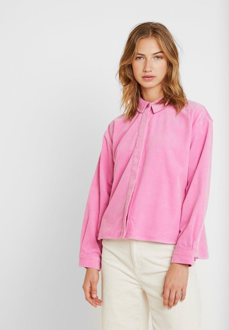 Samsøe Samsøe - KELLY OVERSHIRT - Skjorte - bubble gum pink