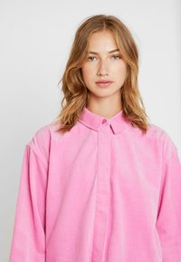 Samsøe Samsøe - KELLY OVERSHIRT - Skjorte - bubble gum pink - 3
