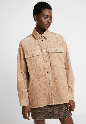 LEONORA - Button-down blouse - nougat khaki