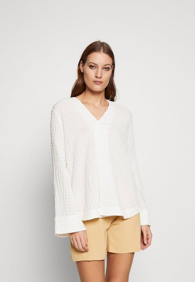 JUTA - Bluzka - warm white