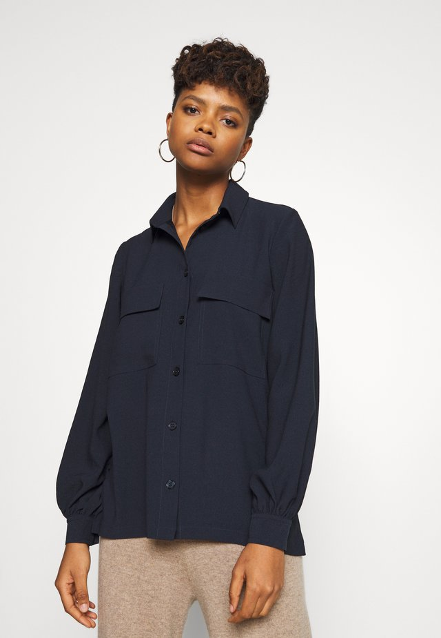 CAMILE - Button-down blouse - sky captain