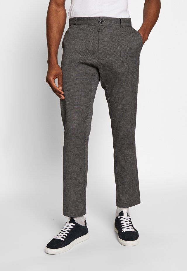 ANDY TROUSERS - Tygbyxor - grey