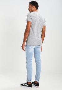 Samsøe Samsøe - LASSEN  - T-shirt basique - grey melange - 2