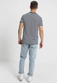Samsøe Samsøe - PATRICK - T-shirt imprimé - sapphire/white - 2
