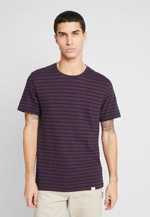 BROBY  - Print T-shirt - dark purple