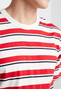 Samsøe Samsøe - BORDING - T-shirts med print - cherry - 5
