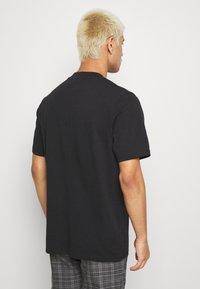 Samsøe Samsøe - NORSBRO - T-shirts med print - black - 2