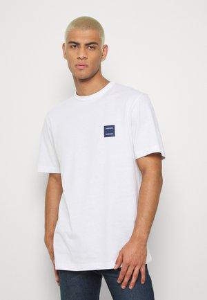 TARKO - T-shirts - white