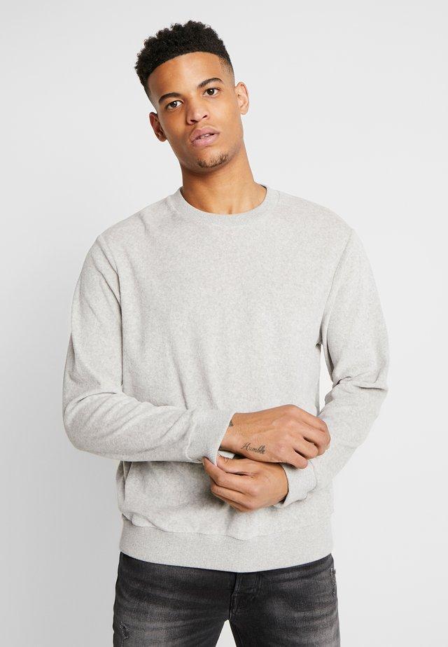 GEIR CREW NECK  - Sweatshirt - glaciar grey