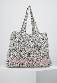 Samsøe Samsøe - SHOPPER - Shopping bags - ecru - 0