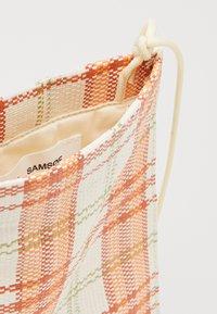 Samsøe Samsøe - KAJA BAG  - Olkalaukku - white/orange - 4