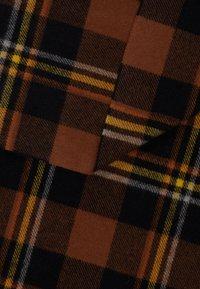 Samsøe Samsøe - EFIN CHECK SCARF - Šála - brown - 2