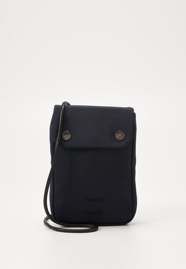 MOLO NECK BAG  - Across body bag - sky captain
