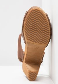 Sanita - FARINA PLATEAU FLEX - Clogs - mid brown - 6